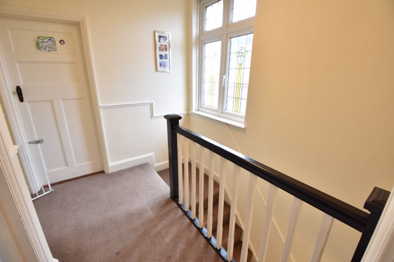 3 bedroom Semi-Detached  to buy in St. Martins Avenue, Luton - Photo 9
