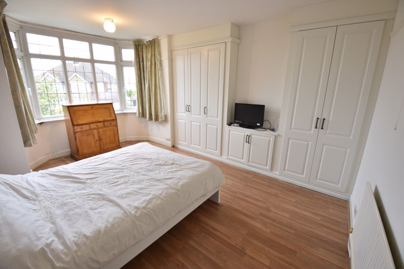 3 bedroom Semi-Detached  to buy in St. Martins Avenue, Luton - Photo 12