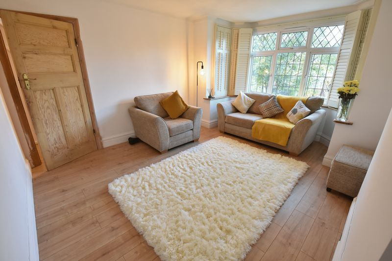 3 bedroom Semi-Detached  to buy in Cutenhoe Road, Luton - Photo 2