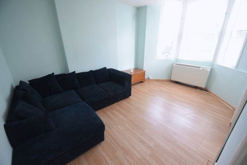 1 bedroom Apartment / Studio to rent in Clarendon Road, Luton - Photo 9