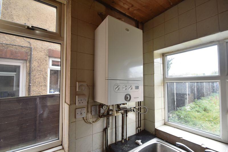 3 bedroom  to buy in Kingsway, Luton - Photo 9