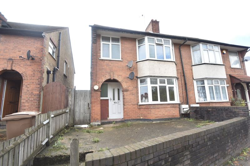 3 bedroom  to buy in Kingsway, Luton