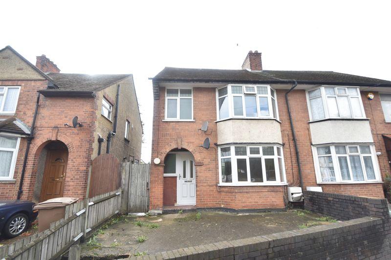 3 bedroom  to buy in Kingsway, Luton - Photo 13