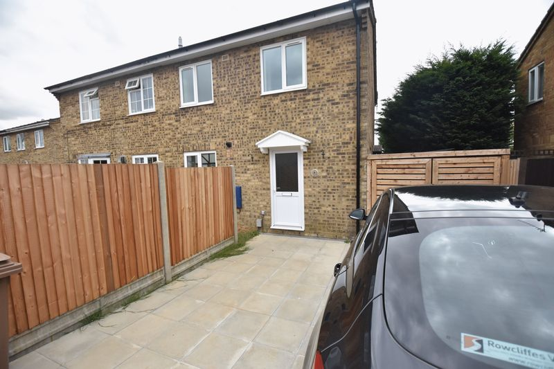 1 bedroom Mid Terrace to rent in Lesbury Close, Luton - Photo 9