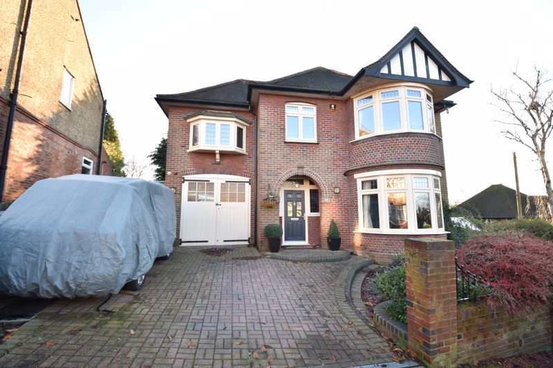 4 bedroom Detached  to rent in Mountfield Road, Luton