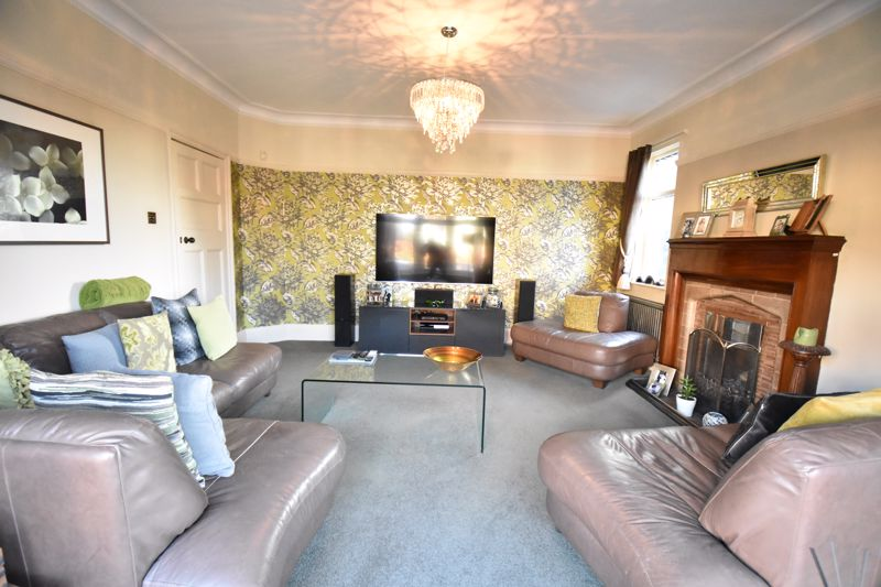 4 bedroom Detached  to rent in Mountfield Road, Luton - Photo 9