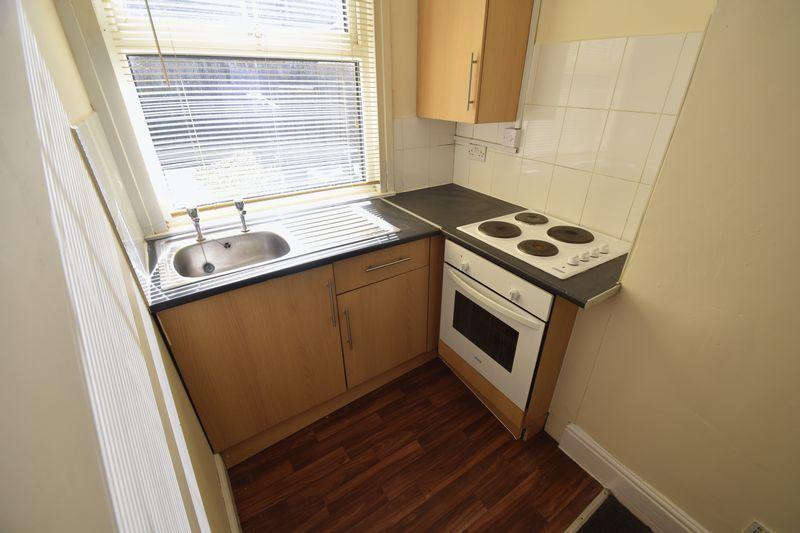 1 bedroom Flat to rent in Crawley Road, Luton - Photo 4