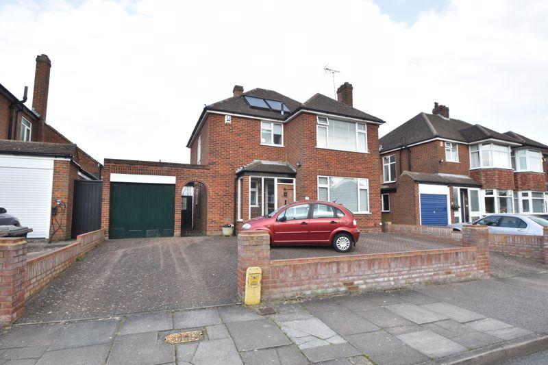 3 bedroom Detached  to buy in Sherborne Avenue, Luton