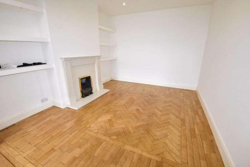 4 bedroom Semi-Detached  to rent in Priory Gardens, Luton - Photo 19