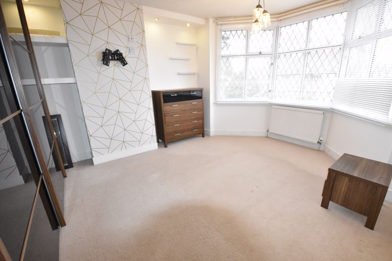 4 bedroom Semi-Detached  to rent in Priory Gardens, Luton - Photo 24