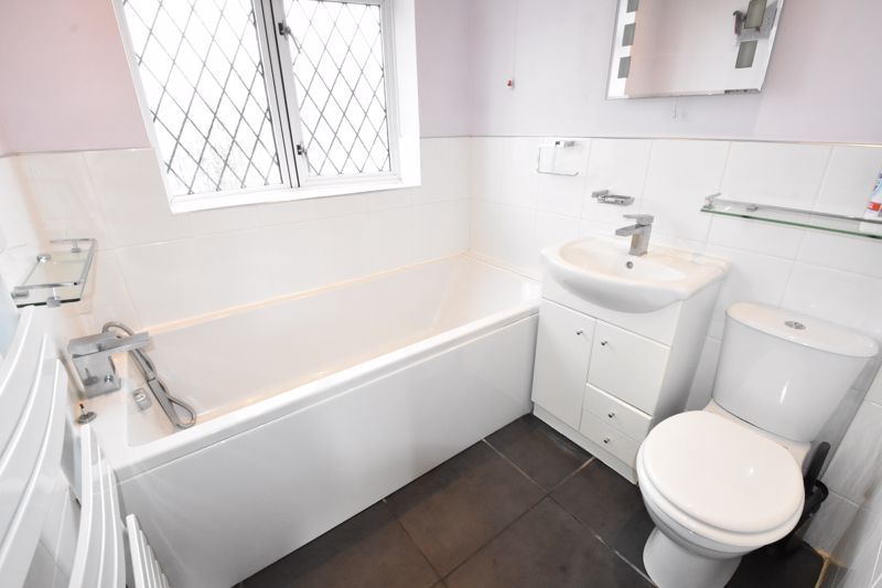 4 bedroom Semi-Detached  to rent in Priory Gardens, Luton - Photo 26