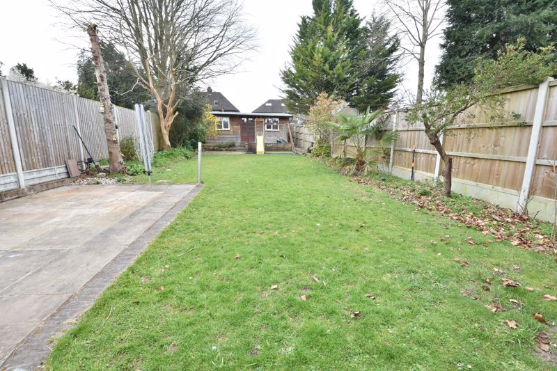 4 bedroom Semi-Detached  to rent in Priory Gardens, Luton - Photo 28