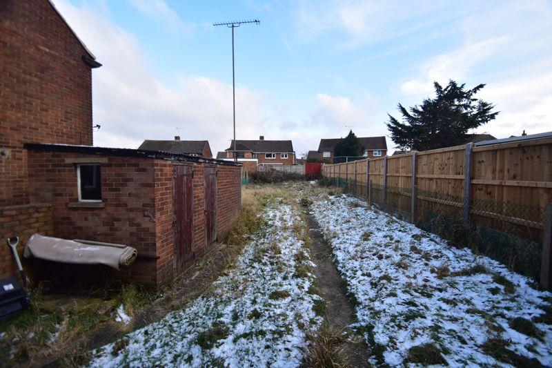 3 bedroom Semi-Detached  to buy in Carteret Road, Luton - Photo 7