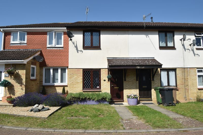 2 bedroom Mid Terrace to buy in Elveden Close, Luton - Photo 1