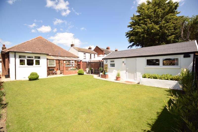 3 bedroom Bungalow to buy in St. Thomas's Road, Luton