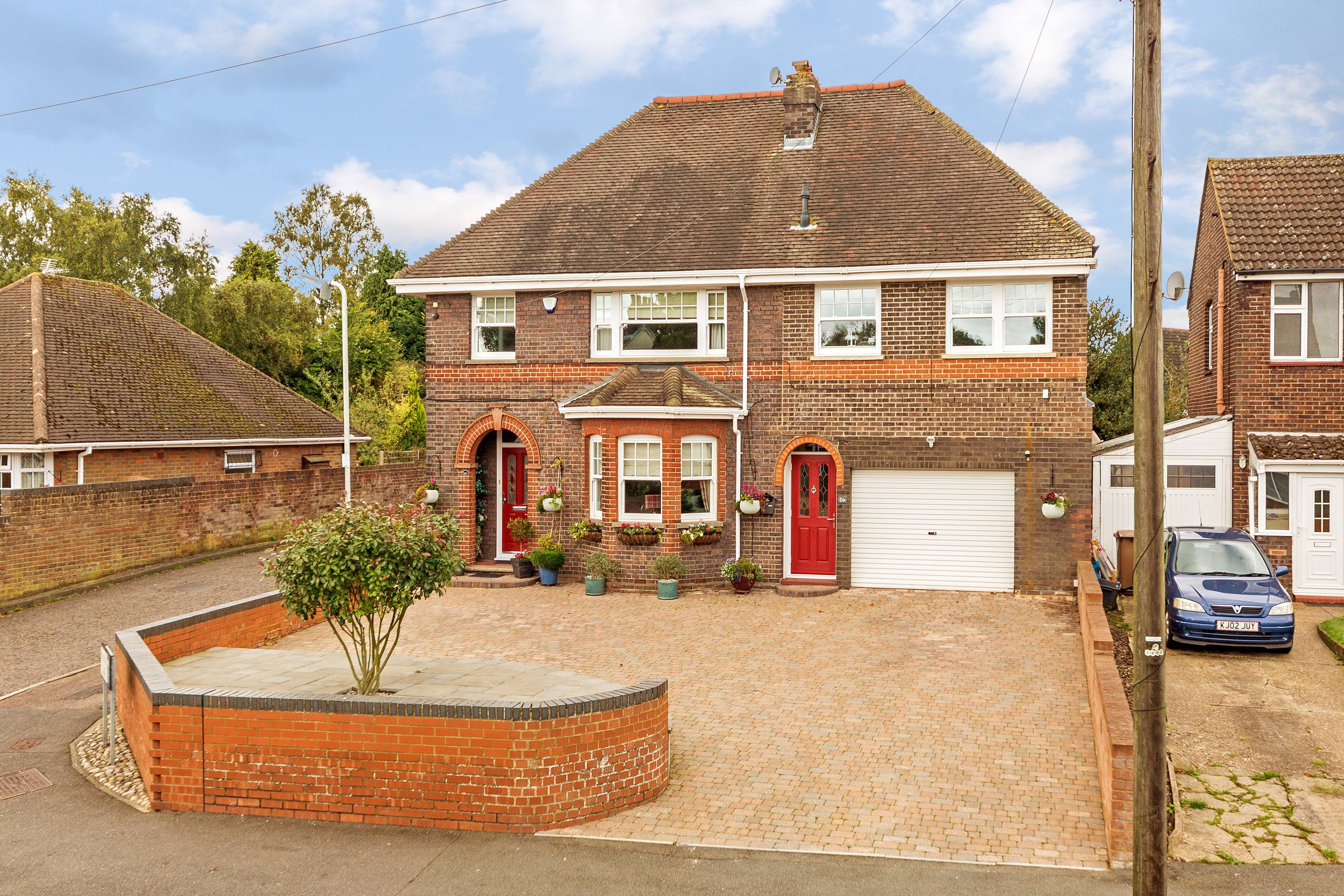 4 bedroom Detached  to buy in  Ashcroft Road, Luton
