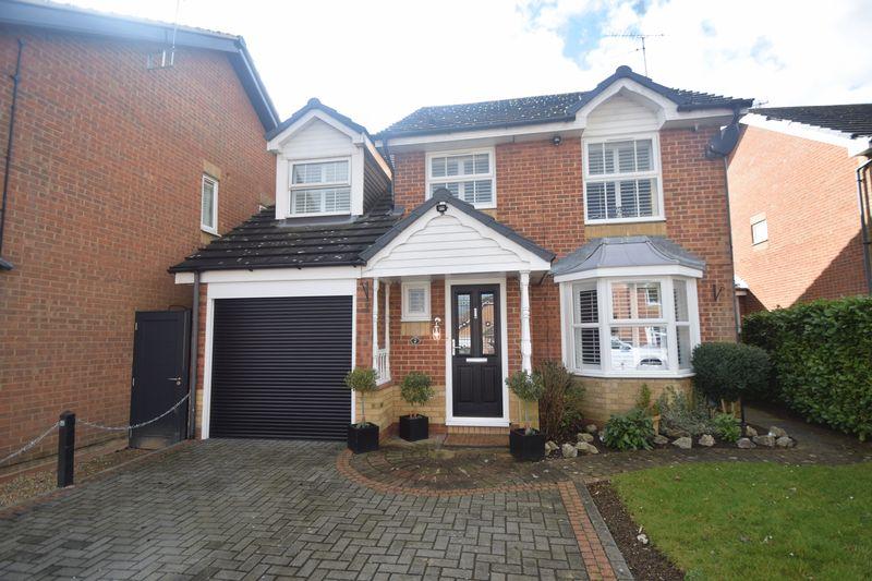 4 bedroom Detached  to buy in Elvington Gardens, Luton