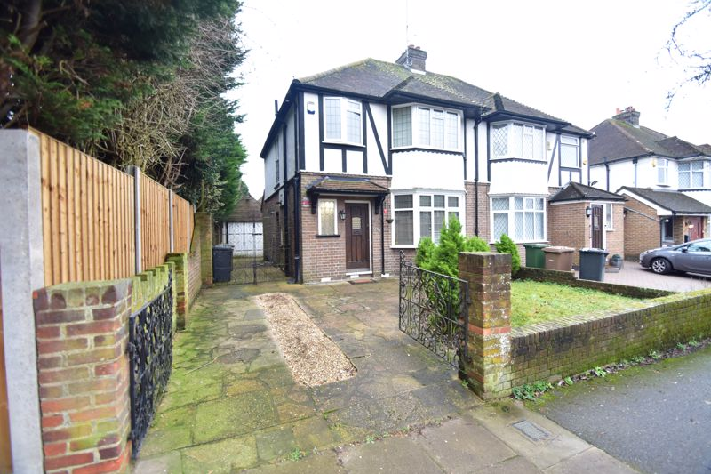3 bedroom Semi-Detached  to buy in Priory Gardens, Luton