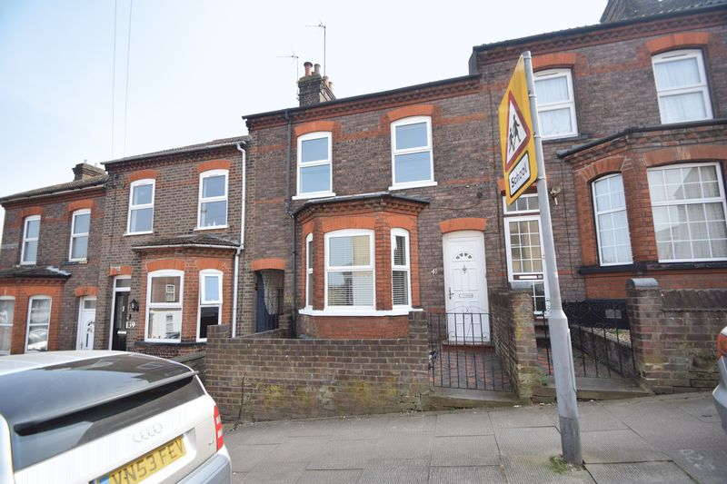 3 bedroom Mid Terrace to rent in Tennyson Road, Luton