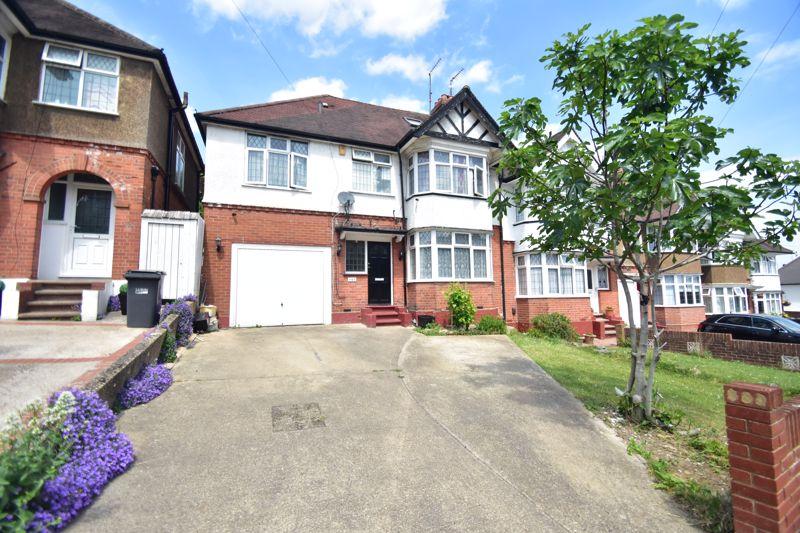 7 bedroom Semi-Detached  to buy in Cutenhoe Road, Luton