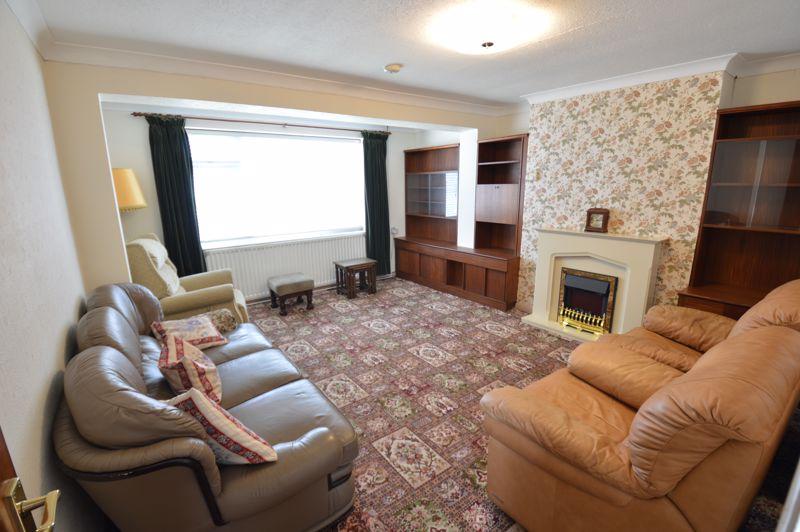 2 bedroom Semi-Detached  to buy in Mossbank Avenue, Luton - Photo 1