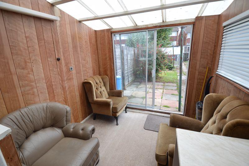 2 bedroom Semi-Detached  to buy in Mossbank Avenue, Luton - Photo 7