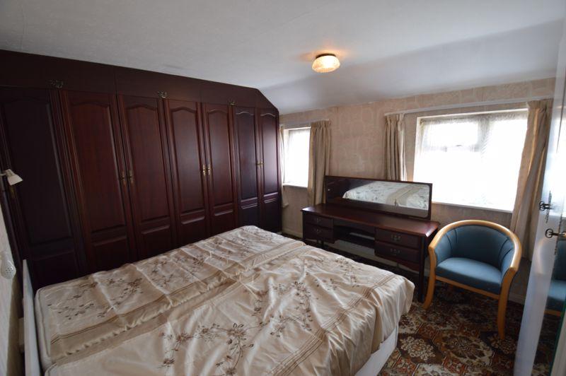 2 bedroom Semi-Detached  to buy in Mossbank Avenue, Luton - Photo 11