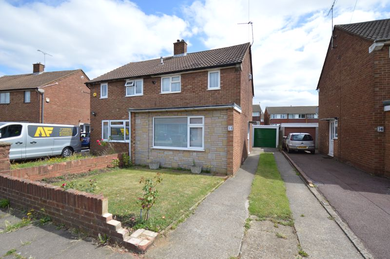2 bedroom Semi-Detached  to buy in Mossbank Avenue, Luton - Photo 12