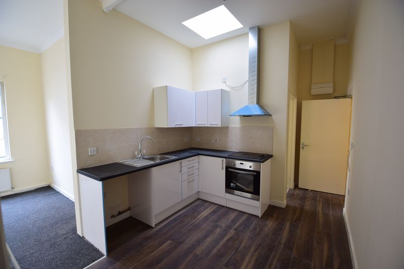 1 bedroom Flat to buy in Guildford Street, Luton - Photo 2