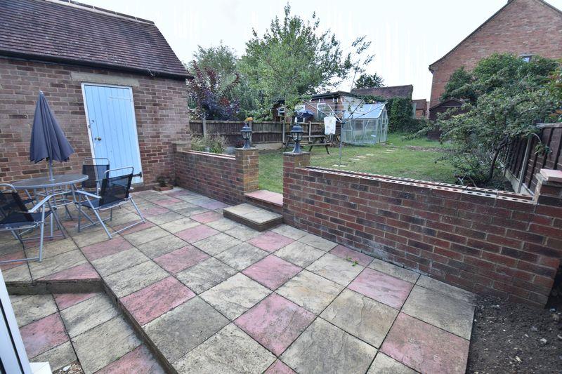3 bedroom Semi-Detached  to buy in Cowridge Crescent, Luton - Photo 12