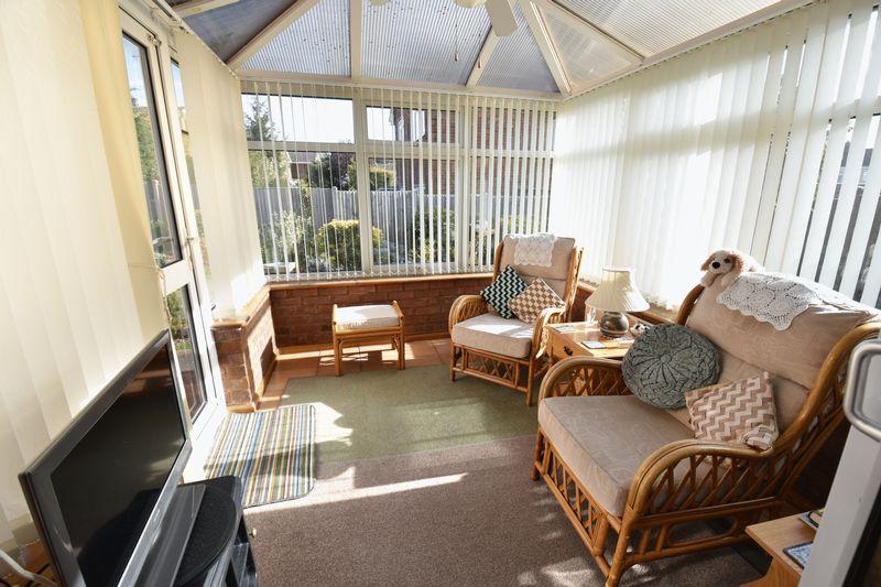 3 bedroom Detached  to buy in Benson Close, Luton - Photo 8