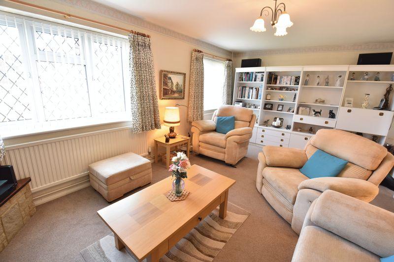 3 bedroom Detached  to buy in Benson Close, Luton - Photo 15