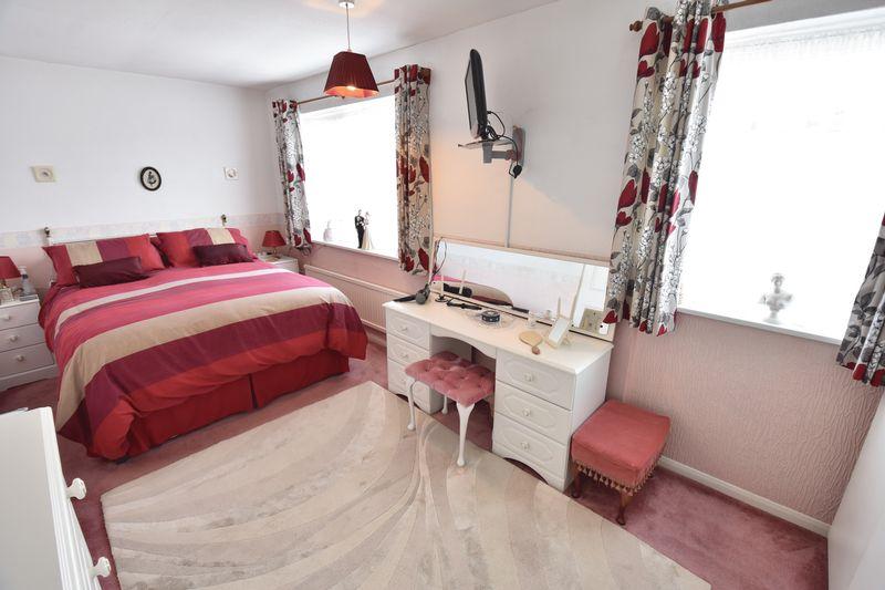 3 bedroom Detached  to buy in Benson Close, Luton - Photo 19