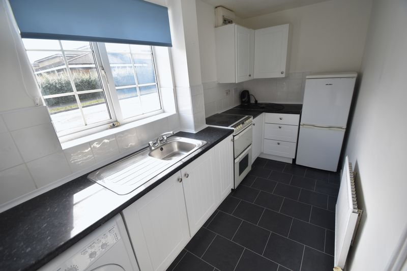 2 bedroom End Terrace to rent in Cheslyn Close, Luton - Photo 9