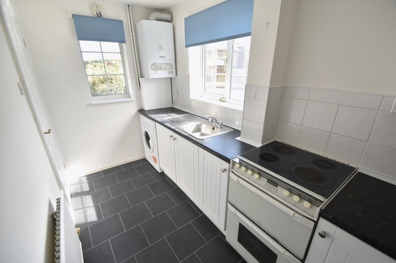 2 bedroom End Terrace to rent in Cheslyn Close, Luton - Photo 10