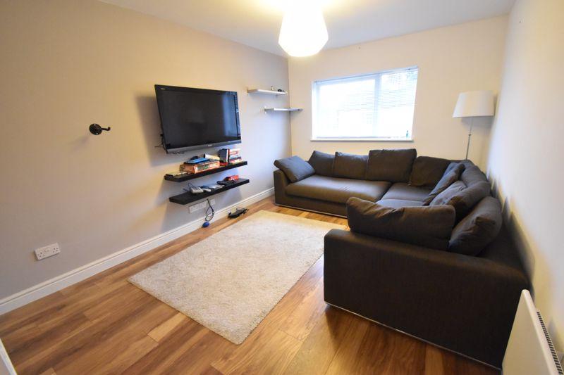 1 bedroom Maisonette to rent in Lindsay Road, Luton - Photo 6