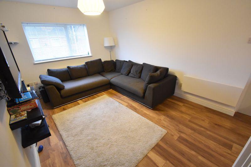 1 bedroom Maisonette to rent in Lindsay Road, Luton - Photo 7