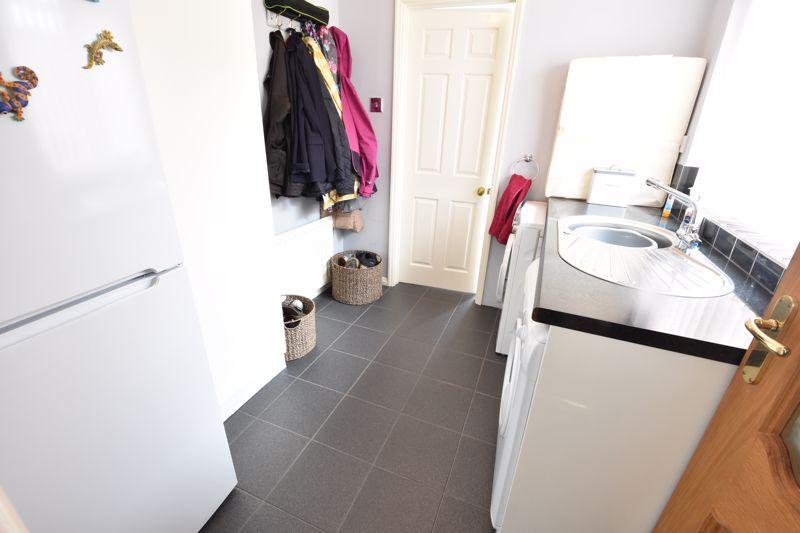 3 bedroom Semi-Detached  to buy in Beaconsfield, Luton - Photo 15