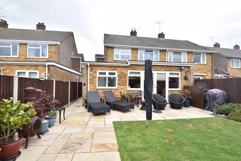 3 bedroom Semi-Detached  to buy in Beaconsfield, Luton - Photo 2