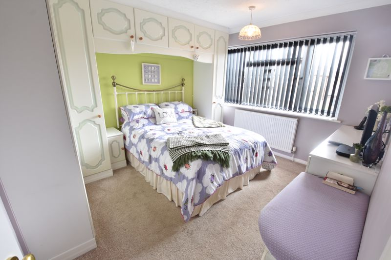 3 bedroom Semi-Detached  to buy in Beaconsfield, Luton - Photo 5