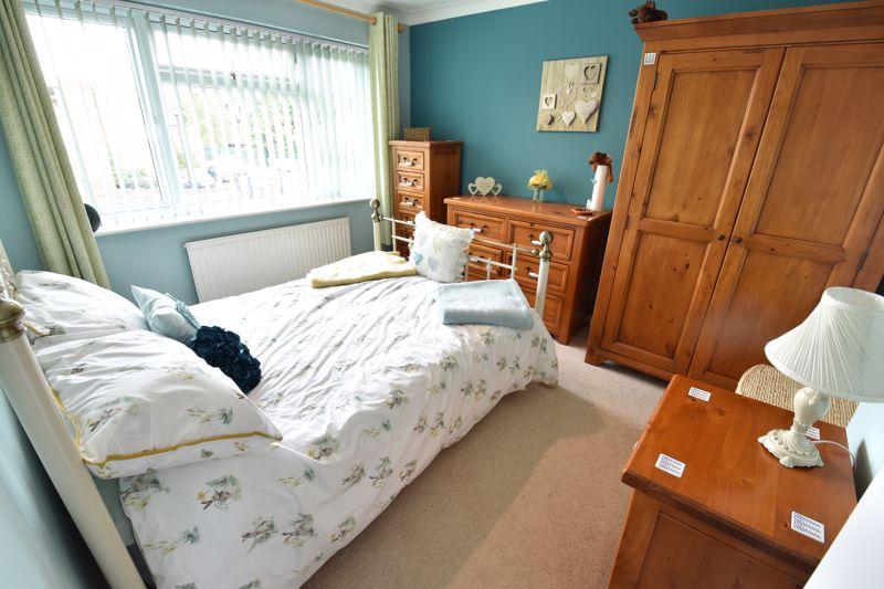 3 bedroom Semi-Detached  to buy in Beaconsfield, Luton - Photo 6