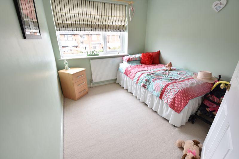 3 bedroom Semi-Detached  to buy in Beaconsfield, Luton - Photo 7