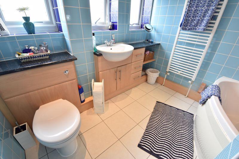 3 bedroom Semi-Detached  to buy in Beaconsfield, Luton - Photo 8