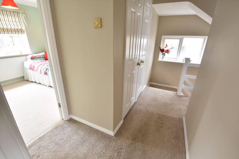 3 bedroom Semi-Detached  to buy in Beaconsfield, Luton - Photo 18