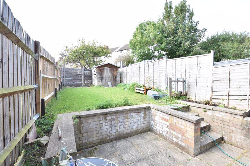 3 bedroom  to buy in Colin Road, Luton - Photo 1
