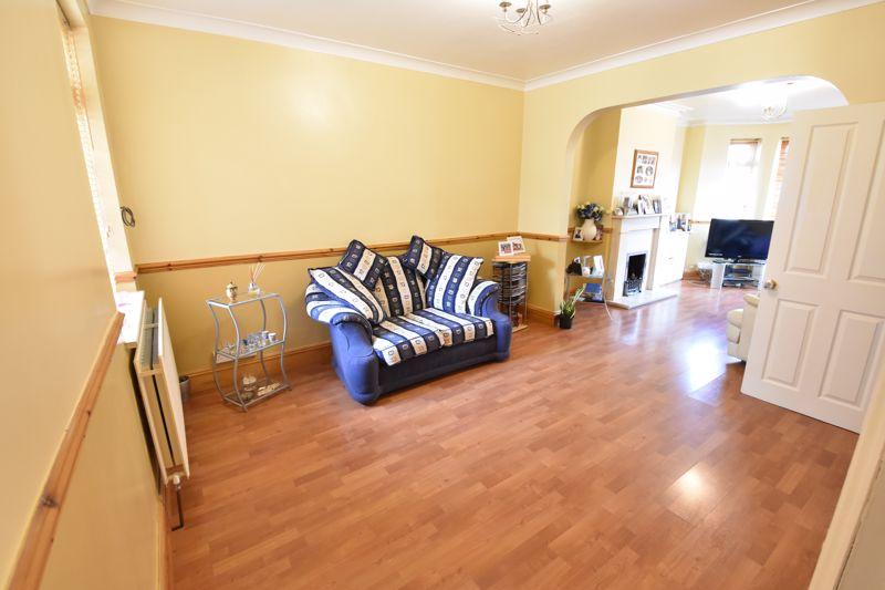 3 bedroom  to buy in Colin Road, Luton - Photo 6