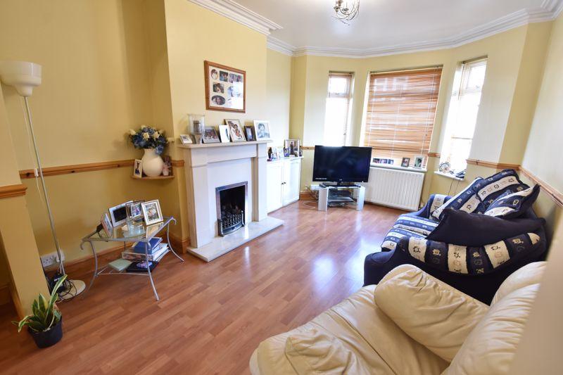 3 bedroom  to buy in Colin Road, Luton - Photo 7