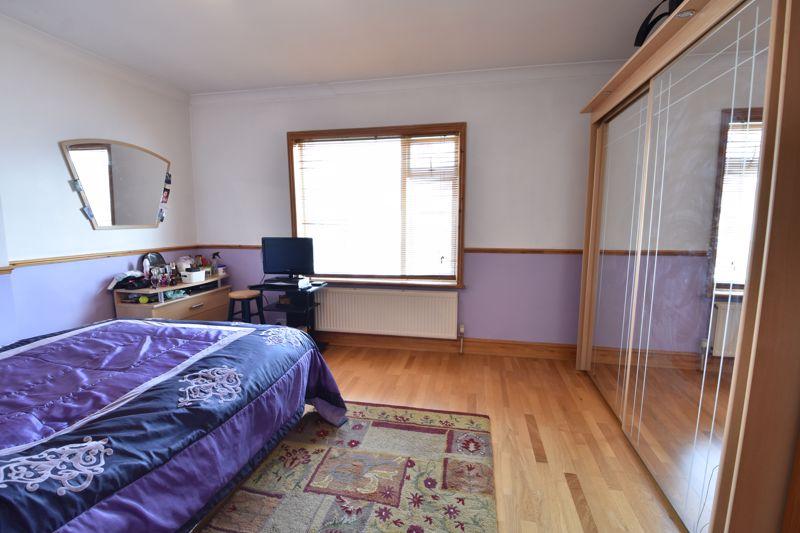 3 bedroom  to buy in Colin Road, Luton - Photo 8
