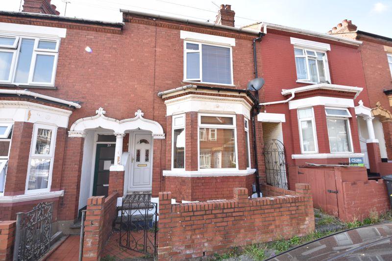 3 bedroom  to buy in Colin Road, Luton