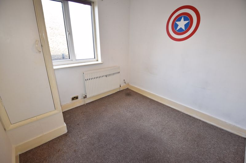 3 bedroom  to rent in Ashcroft Road, Luton - Photo 10